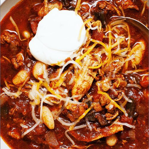 Spicy Chili with Shredded Chicken and Chorizo_MidPage