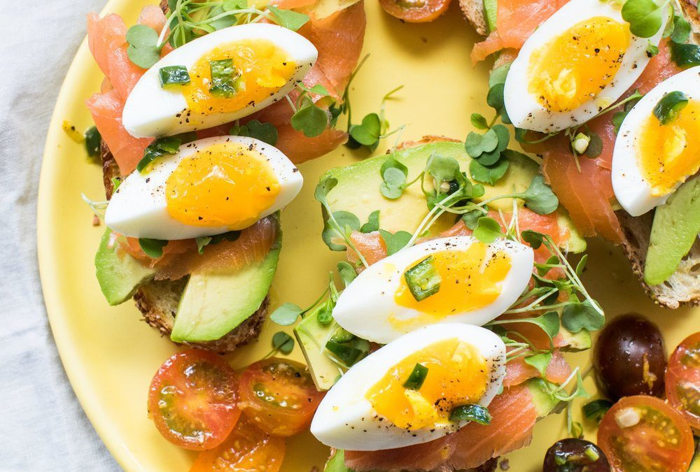 Loaded Avocado Toast with Smoked Salmon and Spicy Fresh ...
