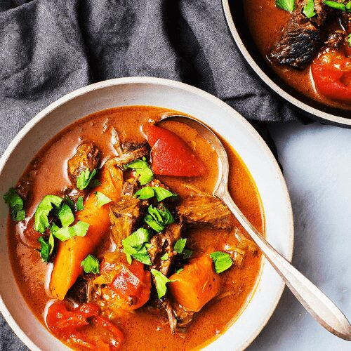 Spicy Beef Stew with Carrots and Tomatoes_MidPage
