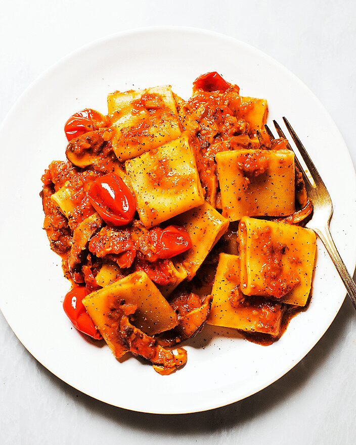 Easy Mushroom Ragù with Tomatoes and Pasta_MidPage