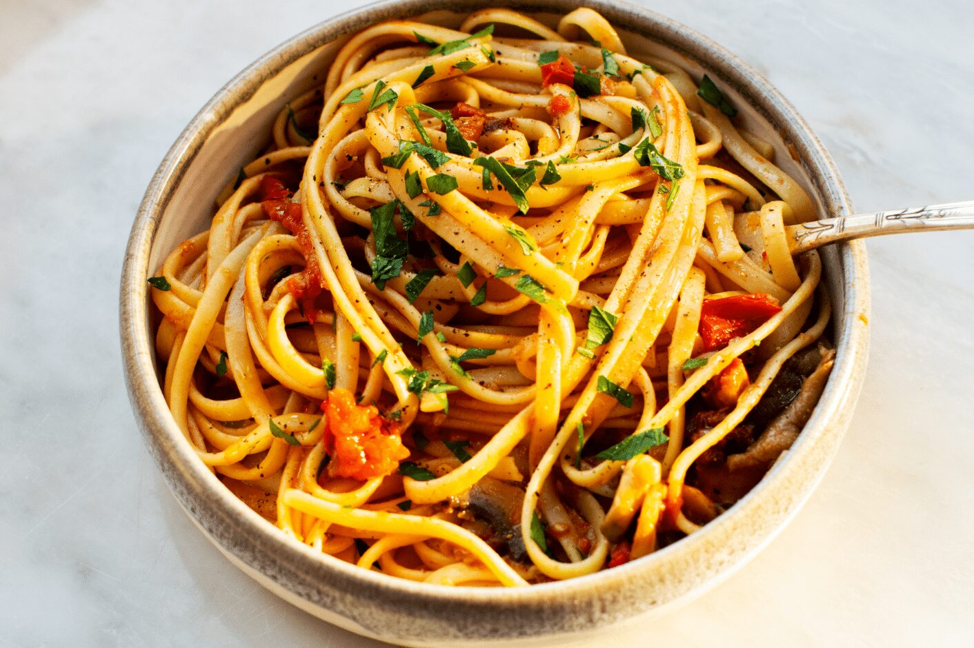 Easy Pasta with Mushrooms and Tomatoes