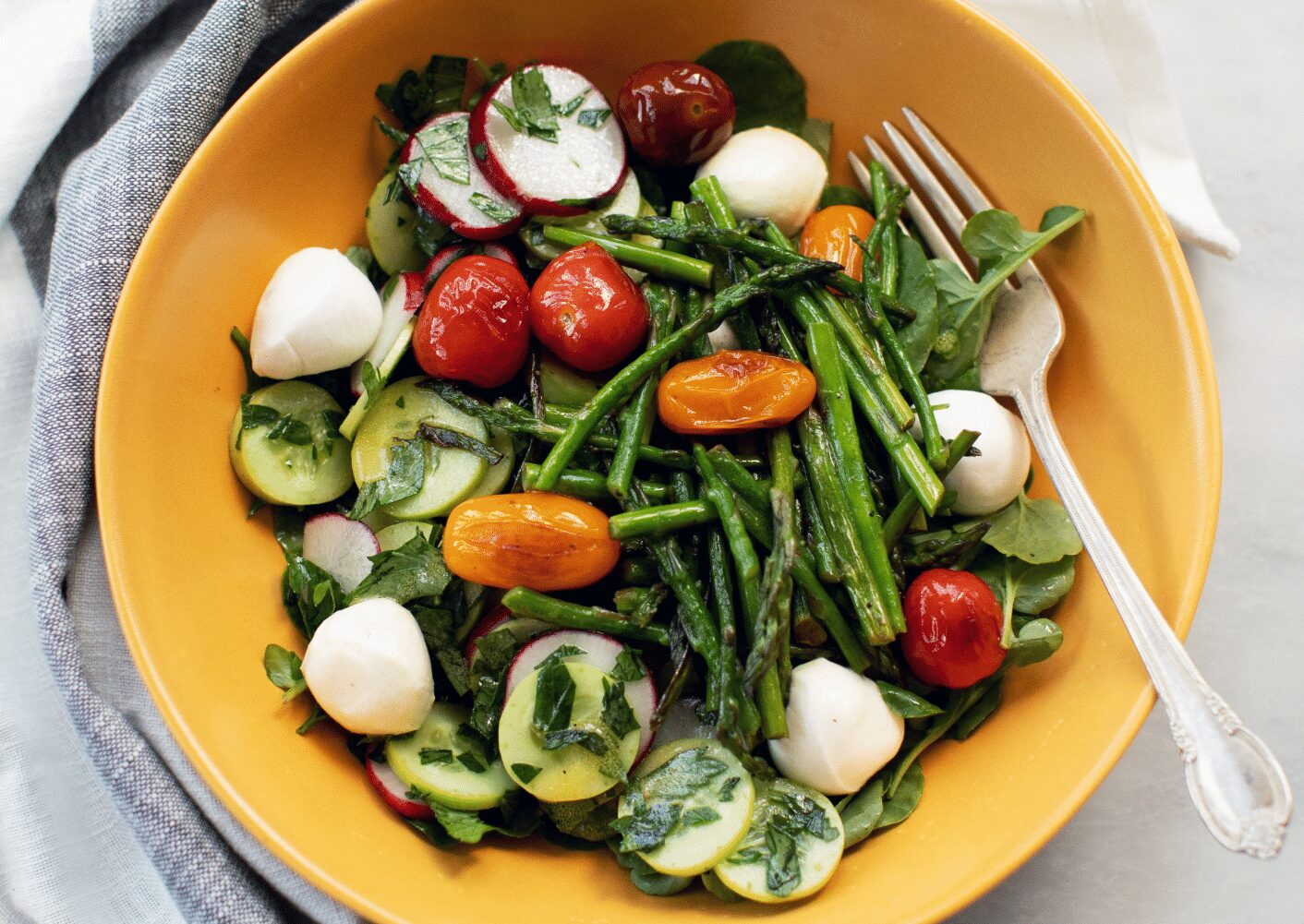 Healthy Lunch Recipe Warm Asparagus and Tomato Salad_Hero