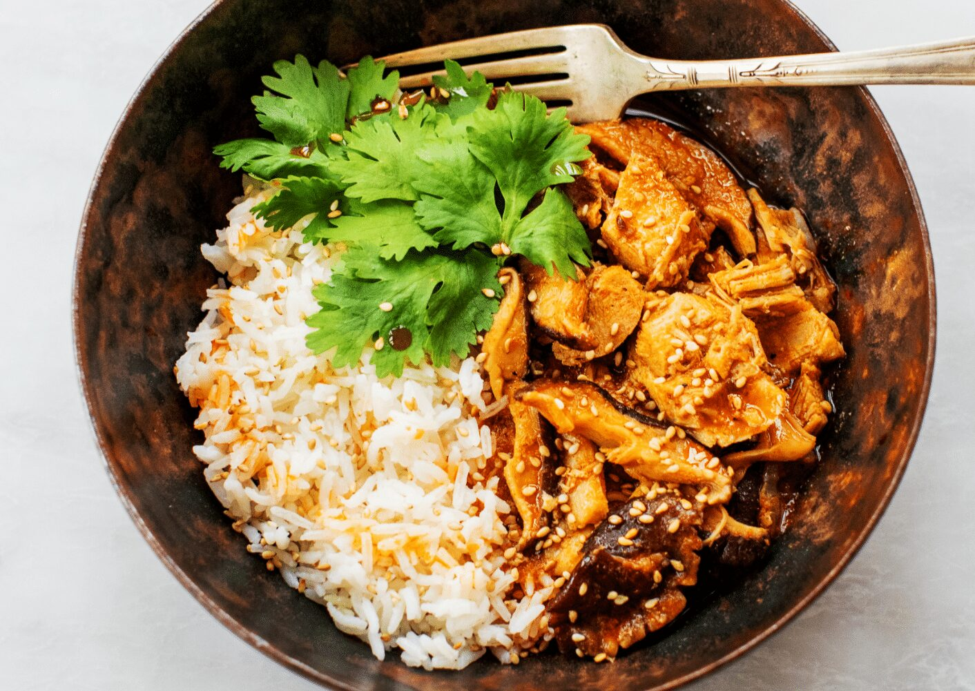 Simple Thai Red Curry Chicken with Mushrooms_Hero