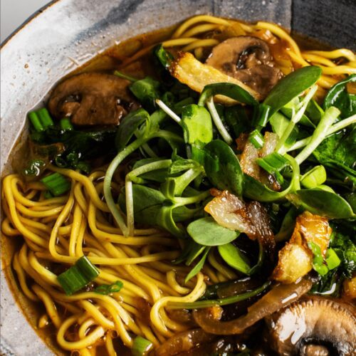 Easy Vegan Mushroom Noodle Soup_MidPage