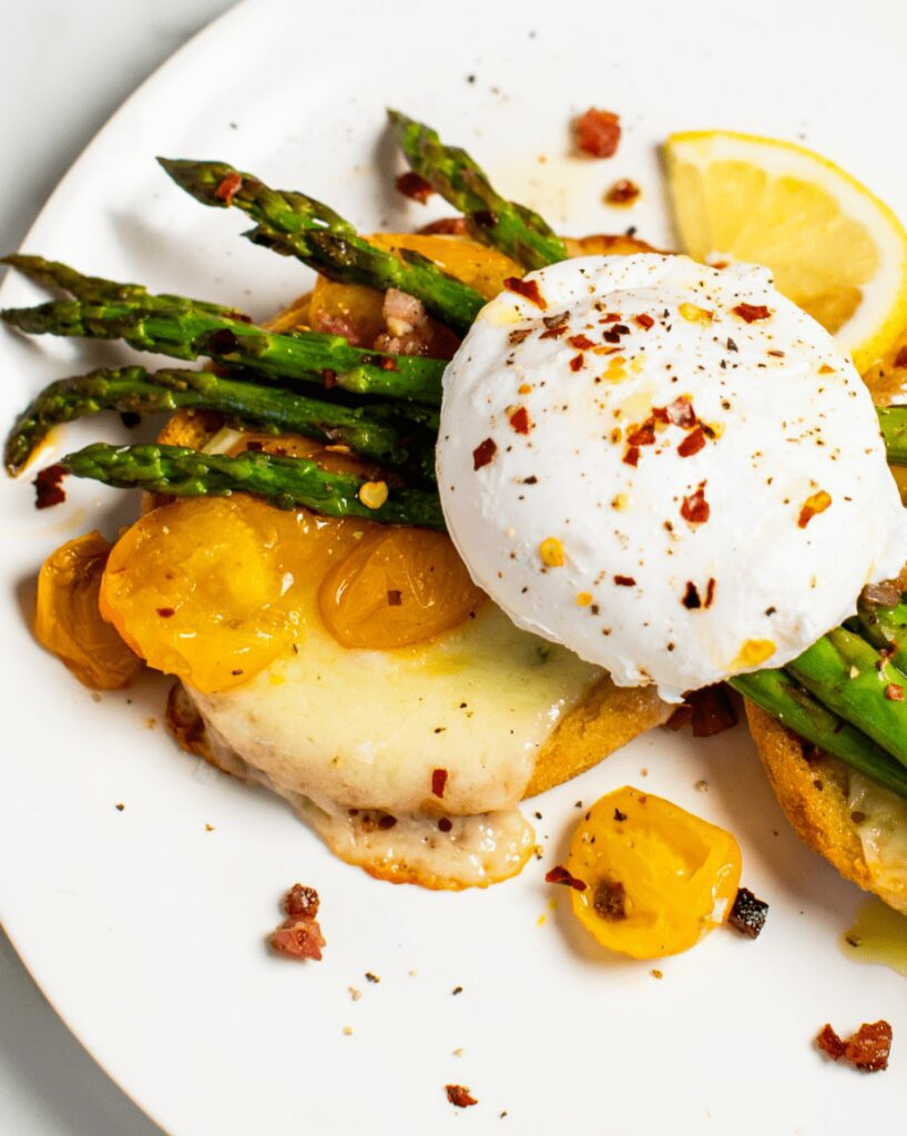 English Muffins with Asparagus Breakfast_MidPage