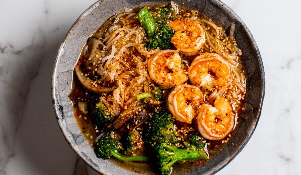 Spicy Shrimp Noodle Soup_Hero