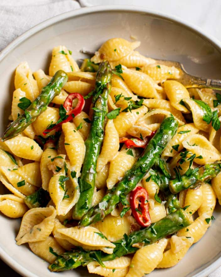 Creamy Shells with Asparagus_MidPage