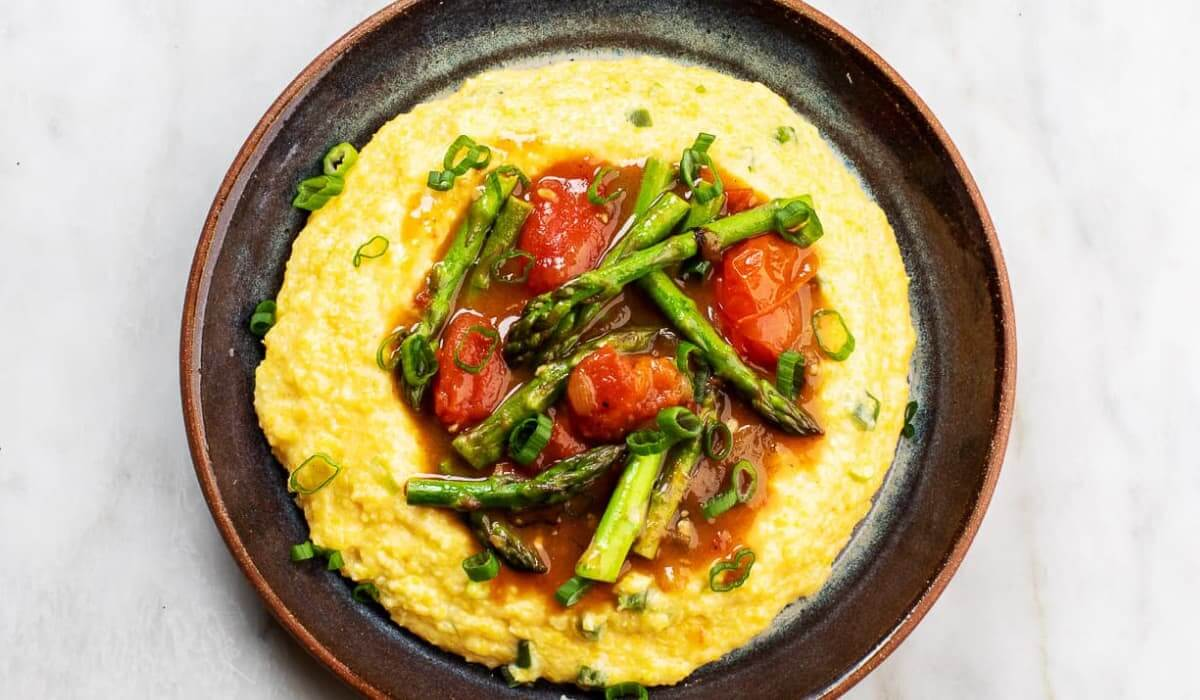 Spicy Asparagus with Cheesy Grits_Hero