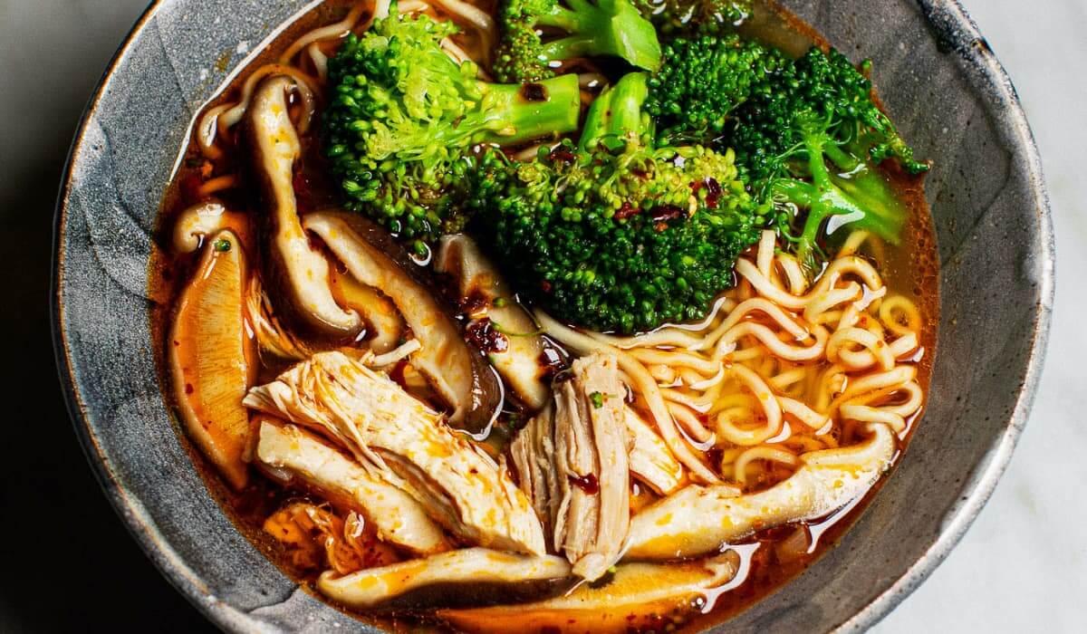 Spicy Chicken Noodle Soup_Hero
