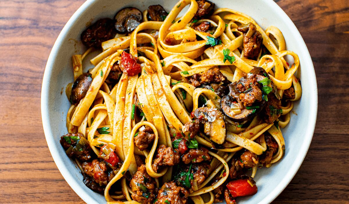 Fettuccine with Sausage and Leeks_Hero