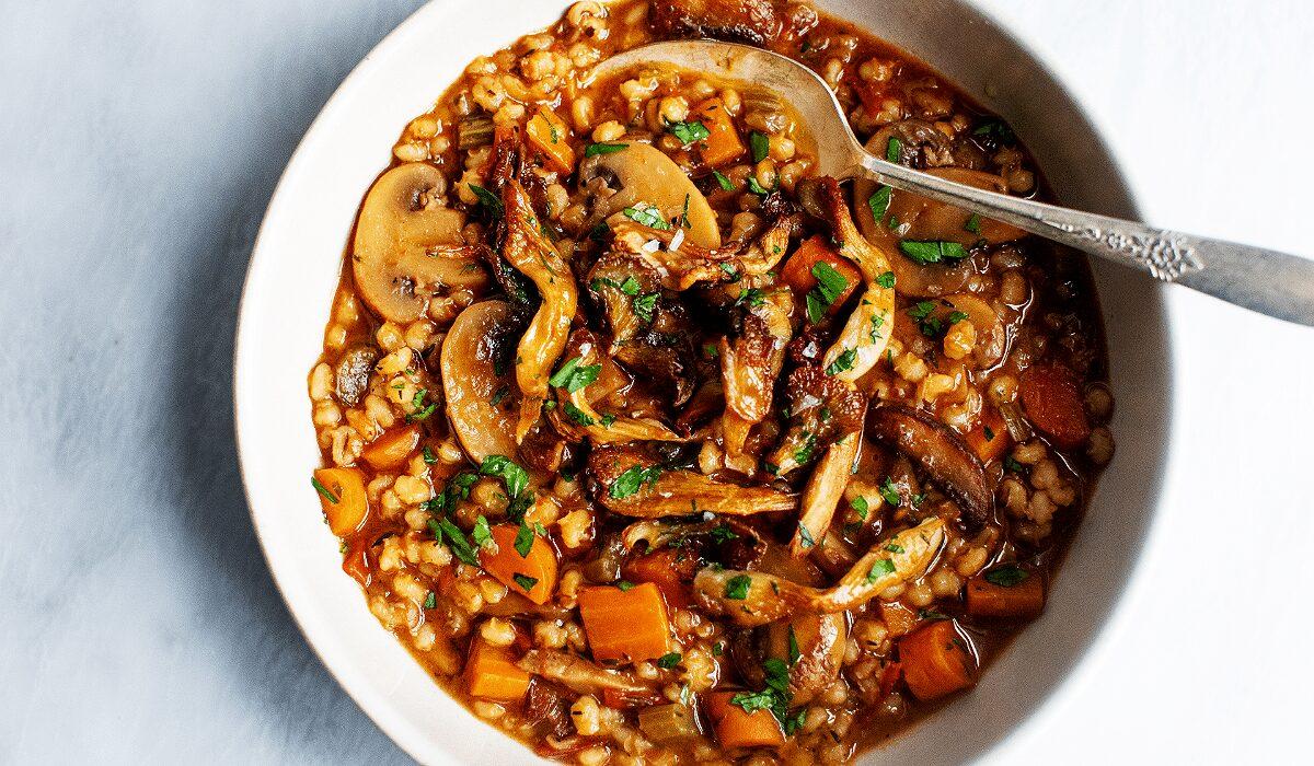 Easy Mushroom Barley Stew_Hero