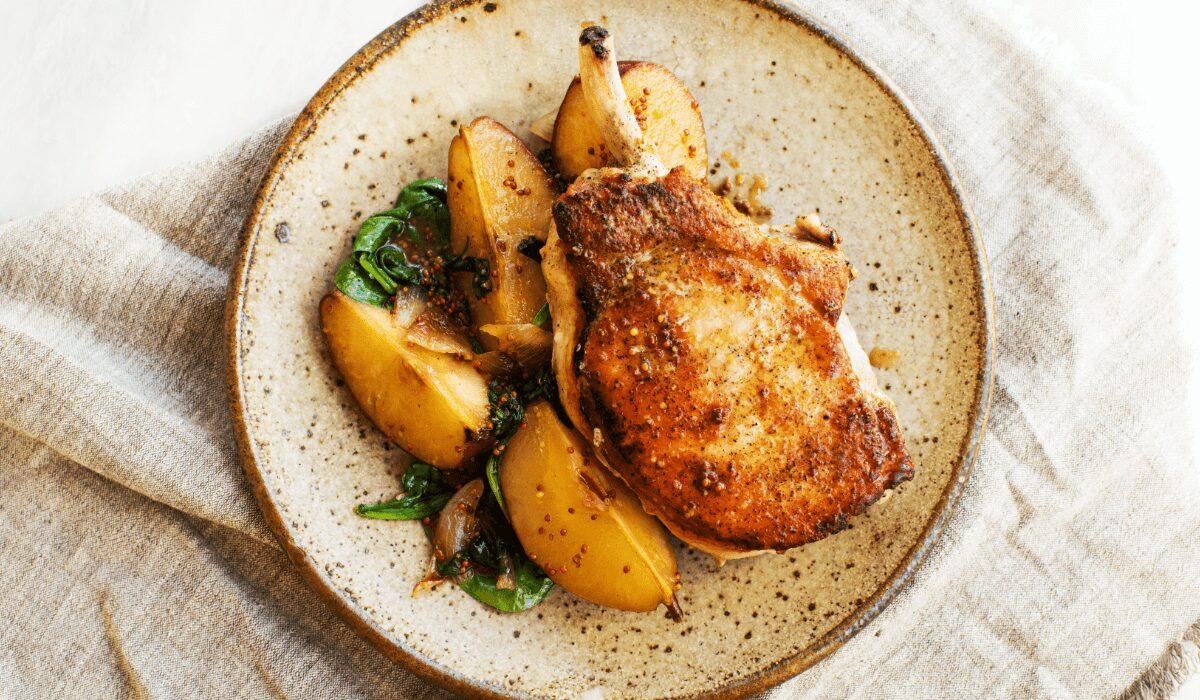 Pork Chops with Sautéed Pears_Hero
