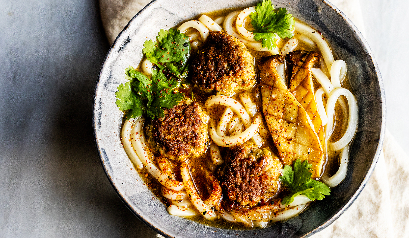 Easy Udon Soup with Turkey Meatballs_Hero